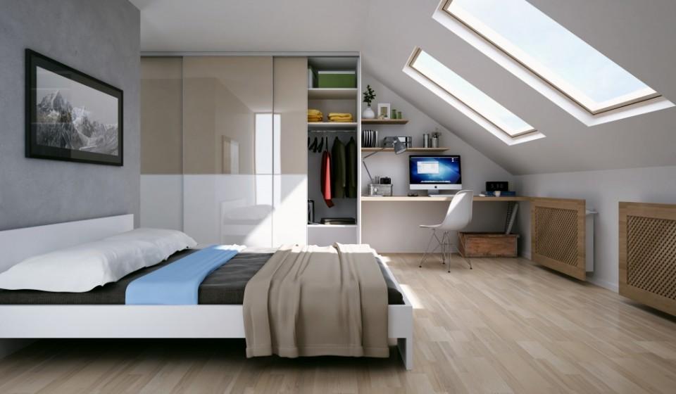 Sypialnia z biurkiem na poddaszu