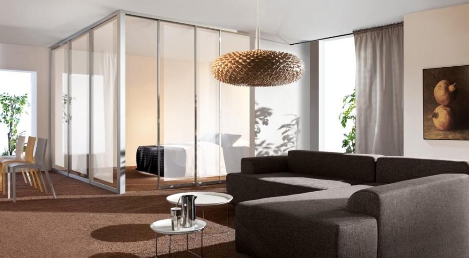 ścianka szklana, jako sposób na oddzielenie sypialni do salonu