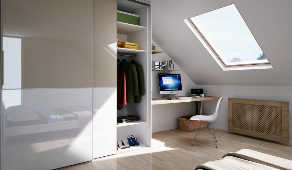 Biuro w sypialni na poddaszu