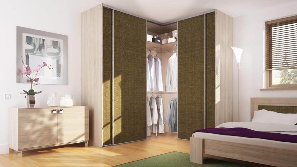 narożna szafa z drzwiami przesuwnymi