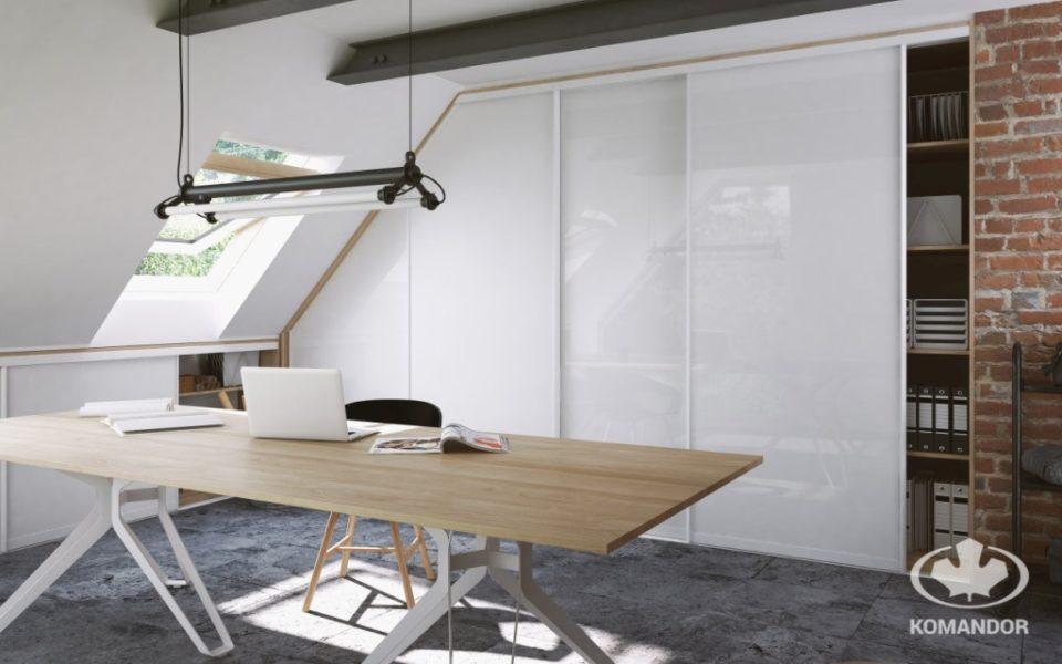 Nowoczesna szafa biurowa na poddaszu
