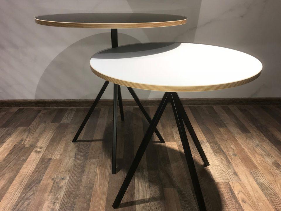 nowoczesne stoliki kawowe z okrągłym blatem na metalowych nogach - oferta Komandor