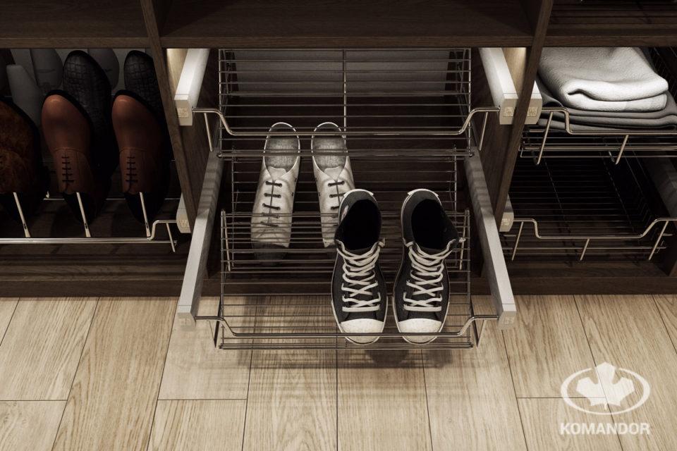 Wysuwna ażurowa półka Komandor na buty - rozwiązanie nie tylko do szafy dla piłkarza
