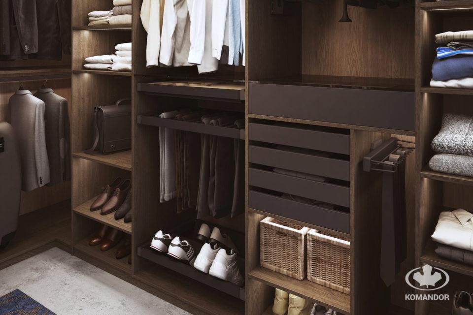 Akcesoria Mocca w aranżacji garderoby