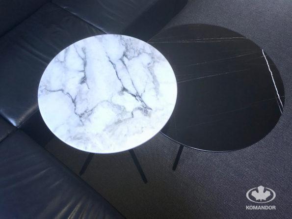 Komandor - stoliki z kamiennymi blatami w kształcie koła i czarnym stelażem