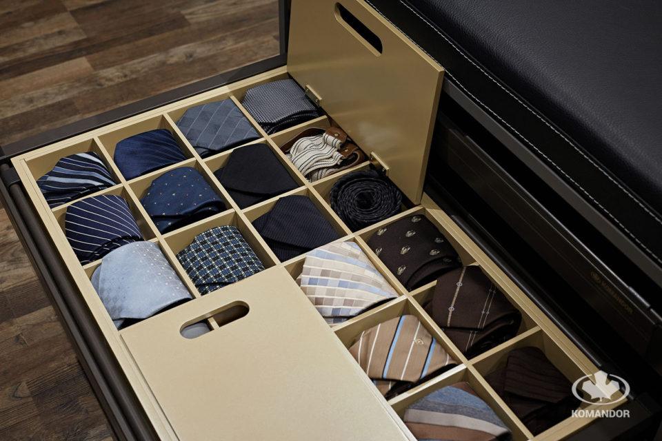 Przechowywanie krawatów w szafie na wymiar