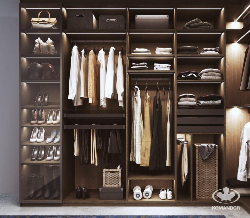 gablota w szafie do przechowywania butów i torebek
