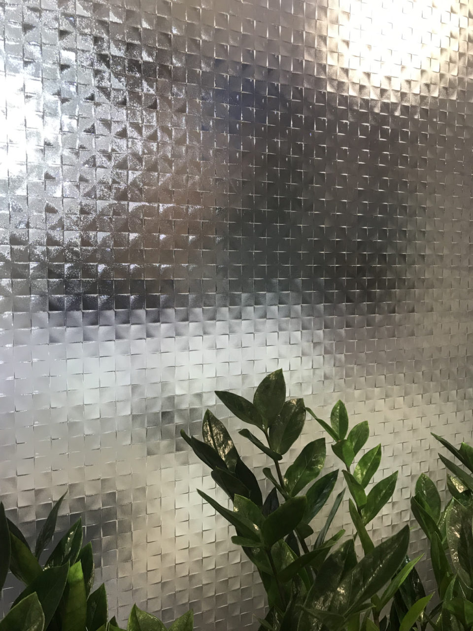 Szklane przestrzenie na targach designu